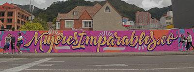 Mujeres Imparables Cartel Urbano