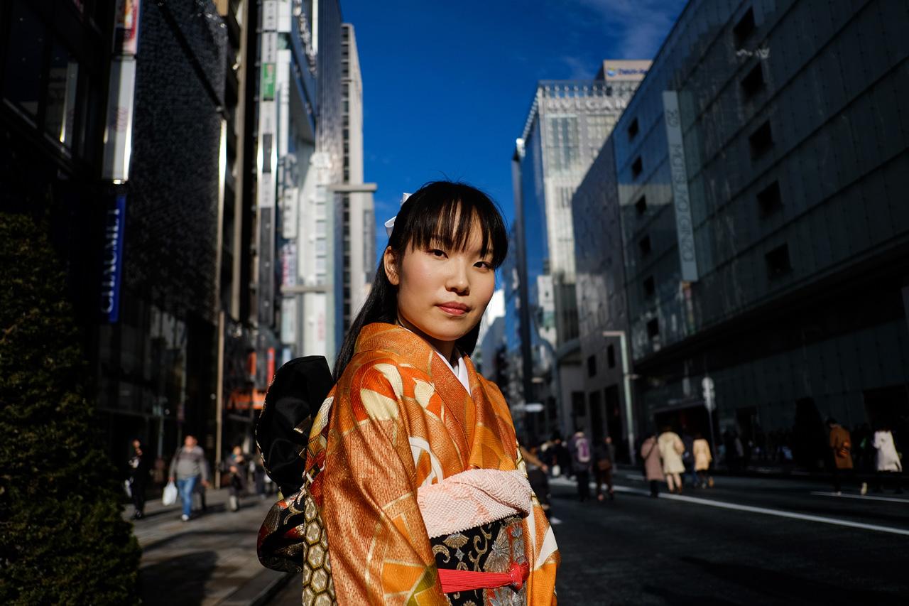 joven-vestida-ritual-paso-adultez-tokio-japon.jpg