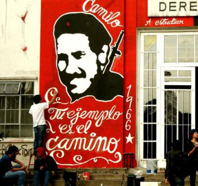 La Nacional celebra la vida de Camilo Torres con dos nuevos libros sobre el cura guerrillero