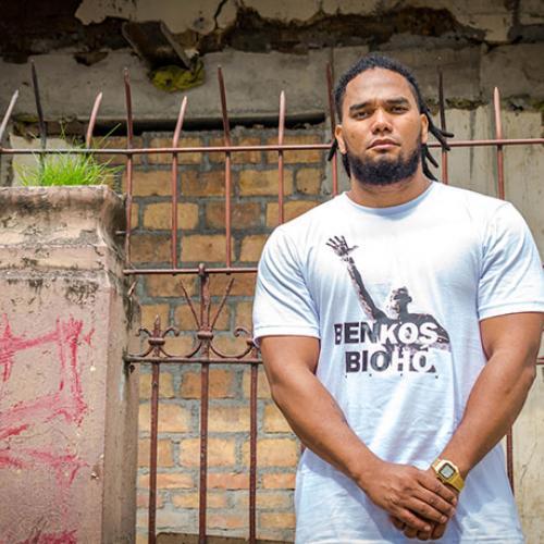 Camisetas  afro de Básico Pero Nítido Cartel Urbano