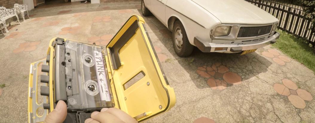 Un corto de realidad virtual para vivir la crudeza de los noventa en los zapatos de un niño bogotano