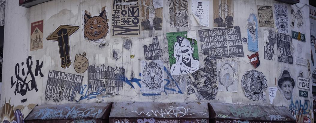 Seis spots en Bogotá que sudan engrudo y crítica sociopolítica