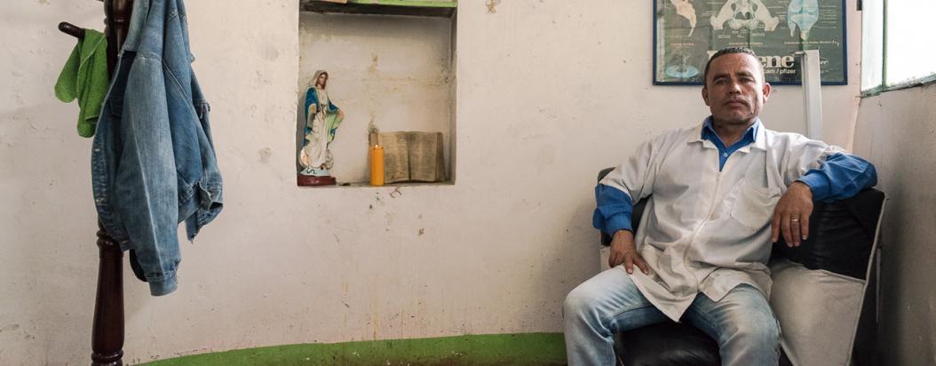 """Carlos Iván Murillo """"El Tigre"""" es uno de los sobrevivientes de la demolición del antiguo Cartucho."""