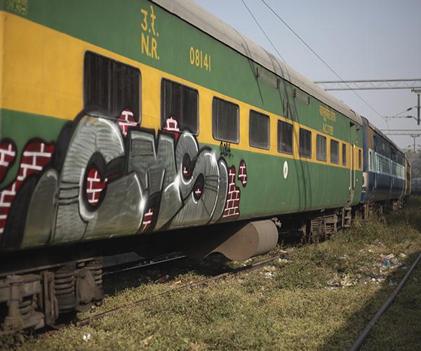 grafiti metro de medellin