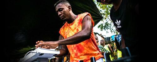El bautizo de fuego de Walaa, el músico chocoano que quiere conquistar la capital