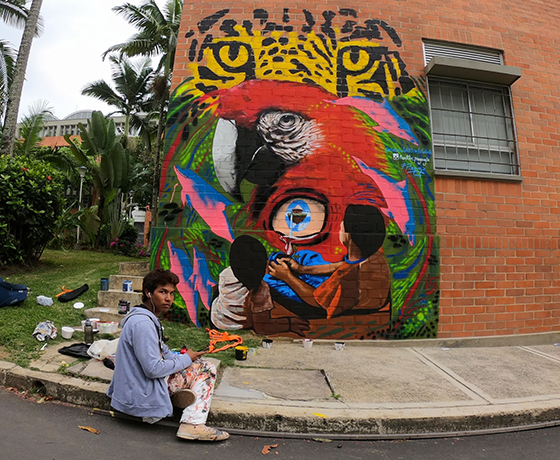 Franklin Piaguaje y sus murales que rescatan la tradición indígena