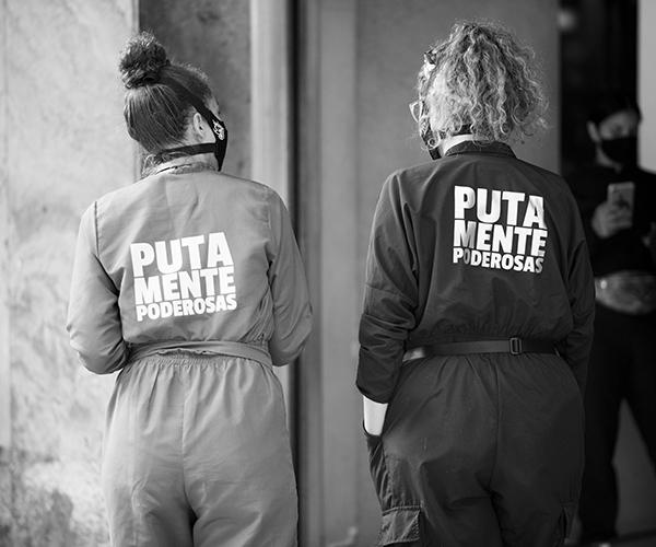 'La Tienda del Putas': una iniciativa para apoyar a las trabajadoras sexuales paisas y verse bien percho en cuarentena