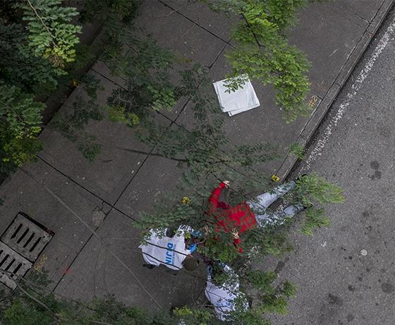 A la realidad de Medellín no hay que bajarle los decibeles: Santiago Mesa y su fotoperiodismo para notas rojas