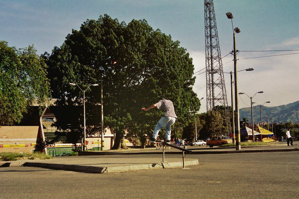 empa_rodriguez_boardslide_up_1996.jpg