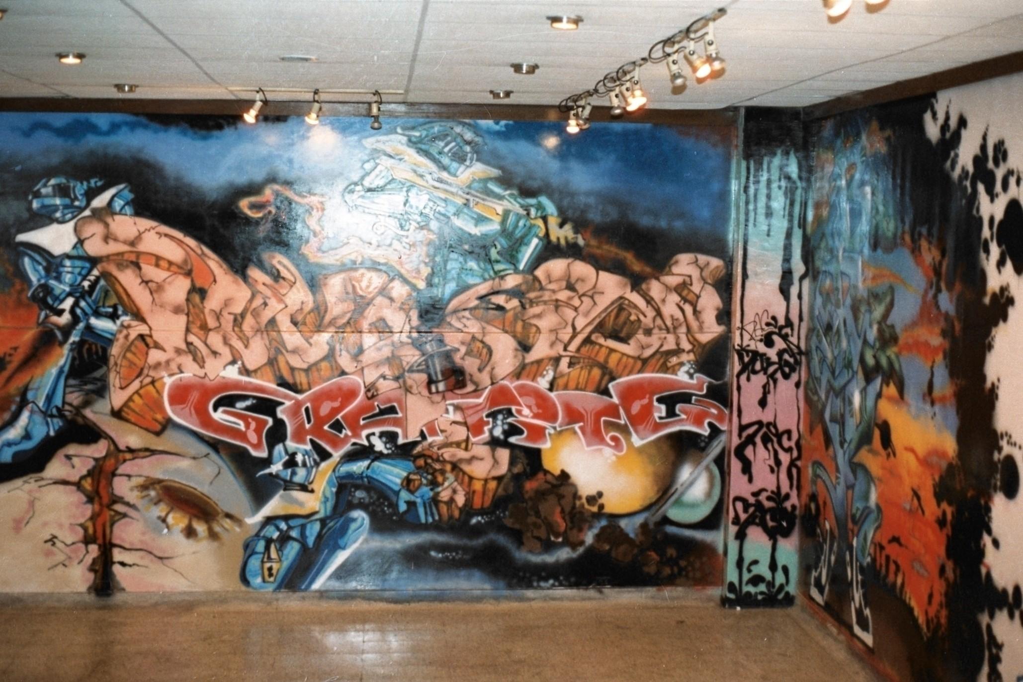 graffit_mision_graffite_por_el_mico_pick_y_pac_dunga_para_el_primer_congreso_de_hip_hop_en_medellin._fotografia_archivo_personal_alejandro_vill.jpg