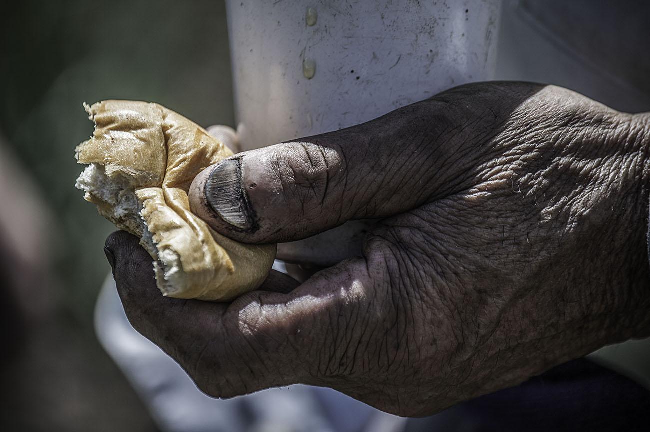 victor-es-un-campesino-colombiano-que-hace-parte-de-este-fotoensayo.jpg