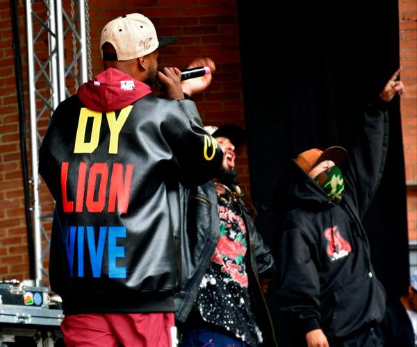 Los asesinatos de Dylan B Lion y Flex en el marco del Paro Nacional han aumentado el número de muertes violentas a las que la comunidad Hip Hop se ha tenido que enfrentar. Hablamos con algunas de las personas cercanas sobre el duelo colectivo y la memoria a través del arte.